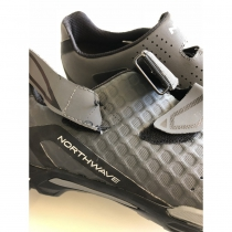 OUTCROSS Antracita-Negro